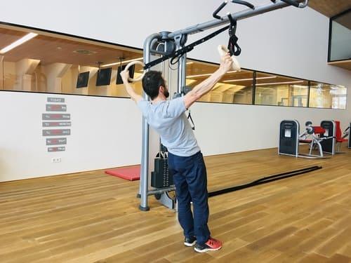Ausgleichstraining-Klettern-Ringe-Rücken2