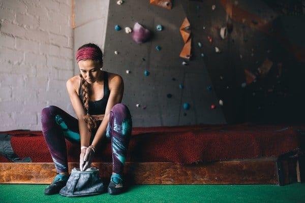 Bouldern-Ausruestung-Schuhe-Chalk