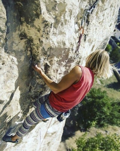 Klettertechnik-verbessern-Untergriff-seitgriff